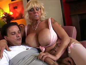 mature mom see son after class porn free videos