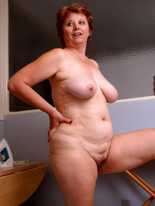 linda hamilton boobs