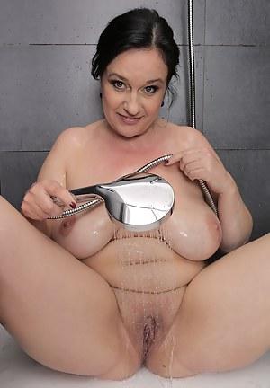 nude cherrleader